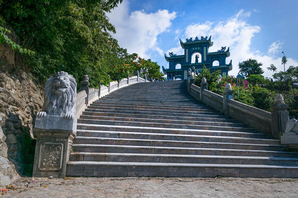 Linh Ung Pagoda - spiritual tourist attraction on Son Tra Peninsula