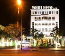 Khám phá White House Hotel 3 sao cạnh bãi biển Phạm Văn Đồng