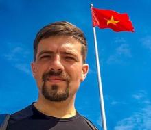 Phượt bằng xe đạp, chàng trai vượt chặng 9.000 km từ Nga đến Việt Nam