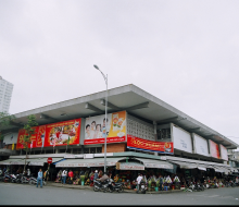 Han market – a hectic shopping area in the center of Da Nang